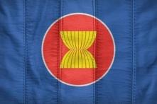Hàng hóa từ ASEAN tràn vào Việt Nam cao gấp 2,6 lần xuất khẩu