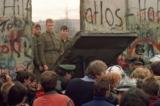 Bức tường Berlin đã sụp, còn bức tường máu của ĐCSTQ thì sao?