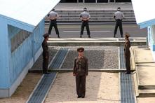Cuộc phẫu thuật ghê rợn của người lính Bắc Hàn chạy thoát thân