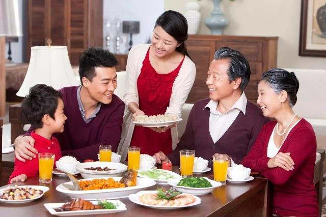 Cách ăn uống có thể phản ánh đạo đức và phẩm chất của một người