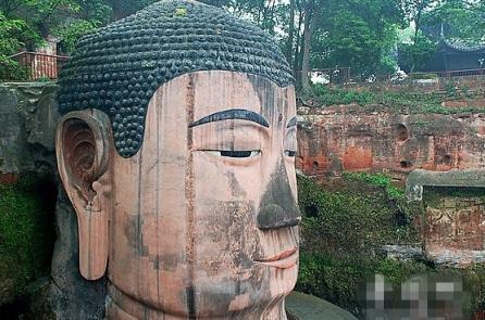 Lạc Sơn Đại Phật: Pho tượng linh thiêng ngàn năm mưa gió vẫn trường tồn