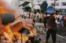 """Trung Quốc trước làn sóng bạo lực tháng 5/1998 tại Indonesia: """"Vì lợi quên nghĩa"""""""