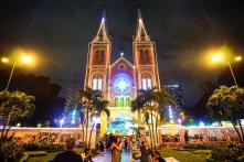 Bộ ảnh: Người dân Sài Gòn đi chơi phố mùa Giáng Sinh
