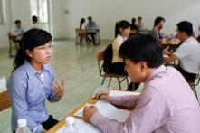 Báo cáo của Vietnamworks: Sinh viên mới ra trường đua nhau ứng tuyển việc có mức lương nghìn đô