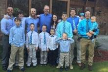 Gia đình Mỹ có 14 con trai, cả đời cũng khó sinh được con gái