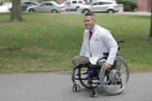 Chàng trai bị mất cả 2 chân vào Đại học Harvard