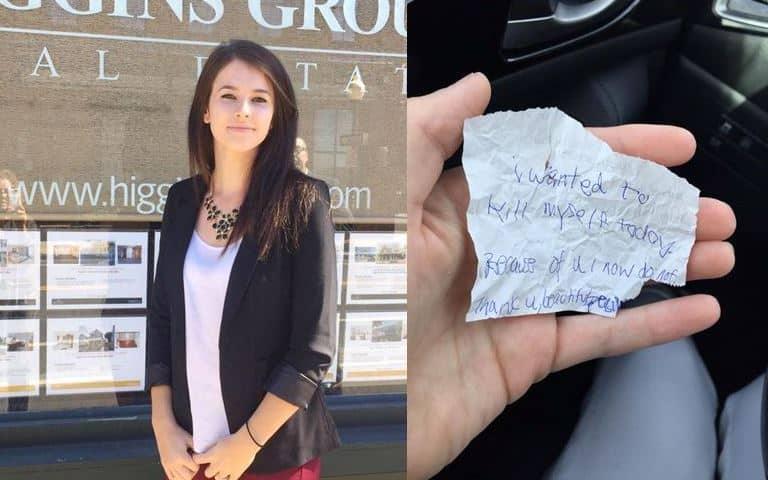 Người lang thang đưa cho cô gái tờ giấy khiến cô bật khóc