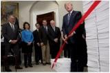Cắt giảm quy định, TT Trump giúp tiết kiệm hàng tỷ USD tiền thuế