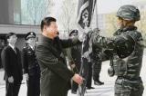 Mỹ ra dự luật cấm đầu tư vào công ty liên quan tới quân đội Trung Quốc