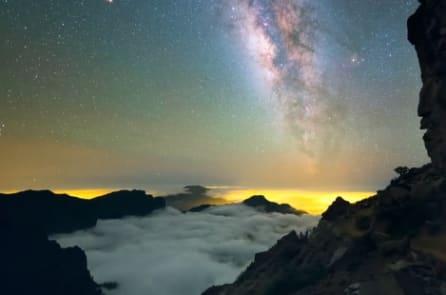 Hình ảnh bầu trời đêm đẹp ngỡ ngàng trên dải ngân hà ở Na Uy