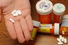 Mệt mỏi vì thuốc tăng giá, 500 bệnh viện Mỹ liên minh để tự sản xuất