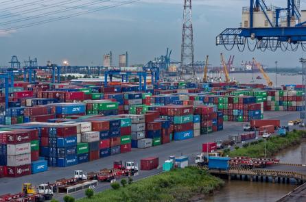 Phí logistics của Việt Nam thuộc hàng cao nhất thế giới