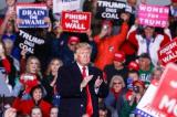 Ông Trump sống sót sau 2 năm bị vùi dập từ mọi phía