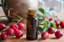 Vì sao dưỡng da bằng Rosehip Oil trở thành xu hướng?