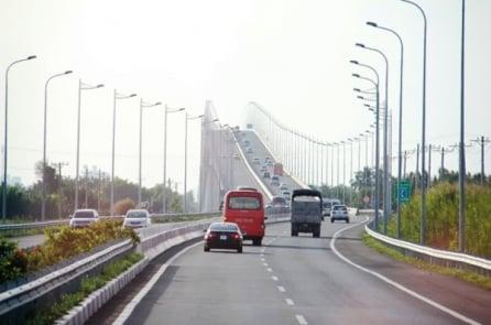 Tổng cục Đường bộ yêu cầu VEC sửa đổi quy định từ chối phục vụ xe trên cao tốc