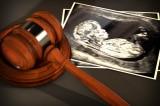 Mỹ: Thống đốc bang Arkansas ký luật cấm phá thai với thai kỳ từ 18 tuần