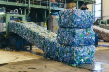 Na Uy tái chế 97% chai nhựa, làm sao họ đạt được điều đó?