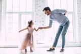 cách yêu thương, Cách bày tỏ tình cảm giúp con trẻ cảm nhận giá trị bản thân