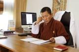 """Thủ tướng Bhutan """"làm thêm"""" nghề bác sĩ vào cuối tuần"""