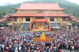 Từ vụ chùa Ba Vàng, khoảng trắng nào trong đời sống tâm linh Việt?