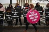 Chính quyền Trump chính thức thực thi các hạn chế mới về phá thai