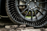 Hãng Michelin và General Motors ra mắt lốp xe không hơi