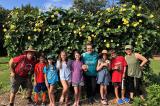 Làm vườn nâng cao nhận thức về thực phẩm lành mạnh tại Tri Cycle Farm