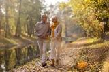 Tuổi trung niên: Người đi bộ chậm thường có tuổi thọ ngắn hơn