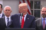 Tổng thống Trump trong cuộc họp báo về dịch bệnh tại Nhà Trắng hôm 14/4 (Ảnh cắt từ video VOA)
