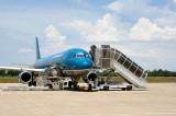 Nữ hành khách tử vong sau khi ngã thang xuống máy bay