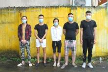 Bắt 2 ôtô chở 10 người Trung Quốc đang từ Lào Cai vào Hà Nội, Nha Trang