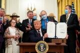 Tổng thống Donald Trump ký luật GAOA ngày 4 tháng 8 năm 2020